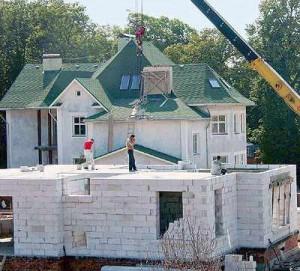 Строии дом из пенобетона