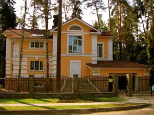 Из какого материала построить загородный дом